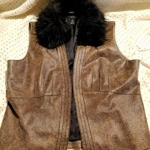 Que Women's 100% Genuine Leather Vest Faux Fur
